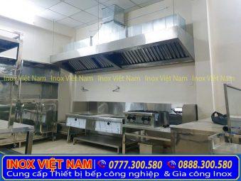 Hệ thống chụp hút khói trong không gian bếp công nghiệp