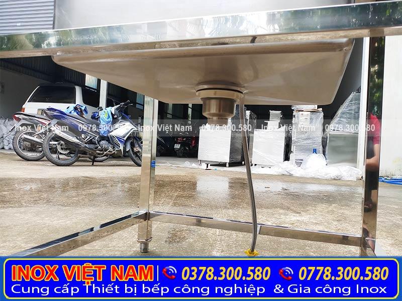 Hố chậu rửa đơn cánh phải sâu và rộng  . Báo giá bồn rửa chén cỡ lớn inox 304 có chân tp hcm   giá bồn rửa bát 1 ngăn inox 304 có khung chân hcm.