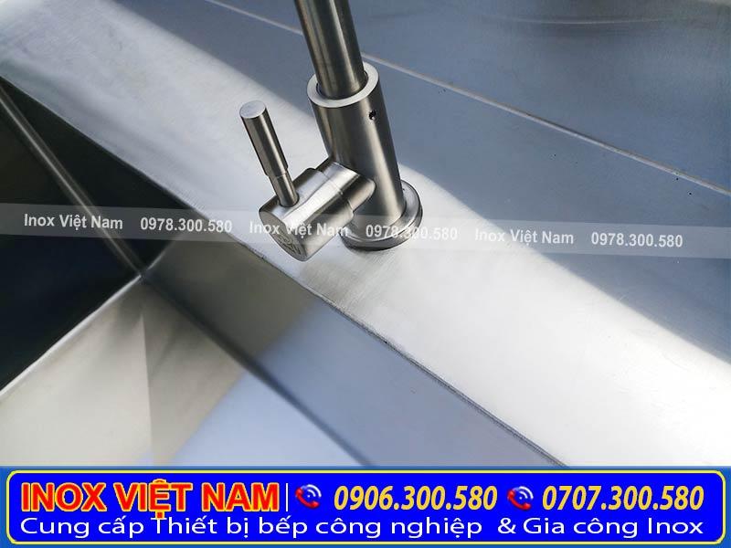 Sản phẩm có thiết kế tiện dụng là chiếc vòi nước.