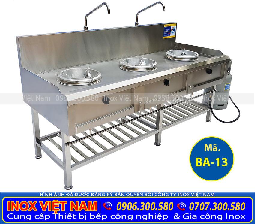 IVN là đơn vị chuyên cung cấp Bếp á 3 họng đốt có kệ dưới, và sản xuất thiết bị bếp inox công nghiệp uy tín tại TP HCM.